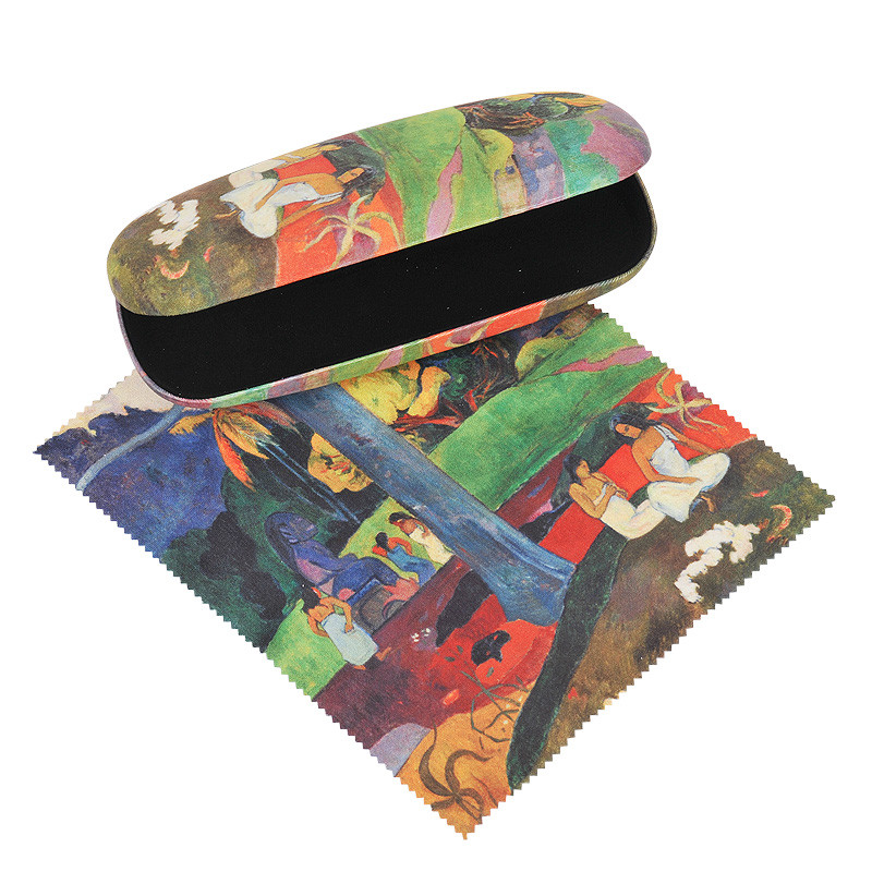 zoom Gauguin's Mata Mua Glasses Case and Cleaning Cloth