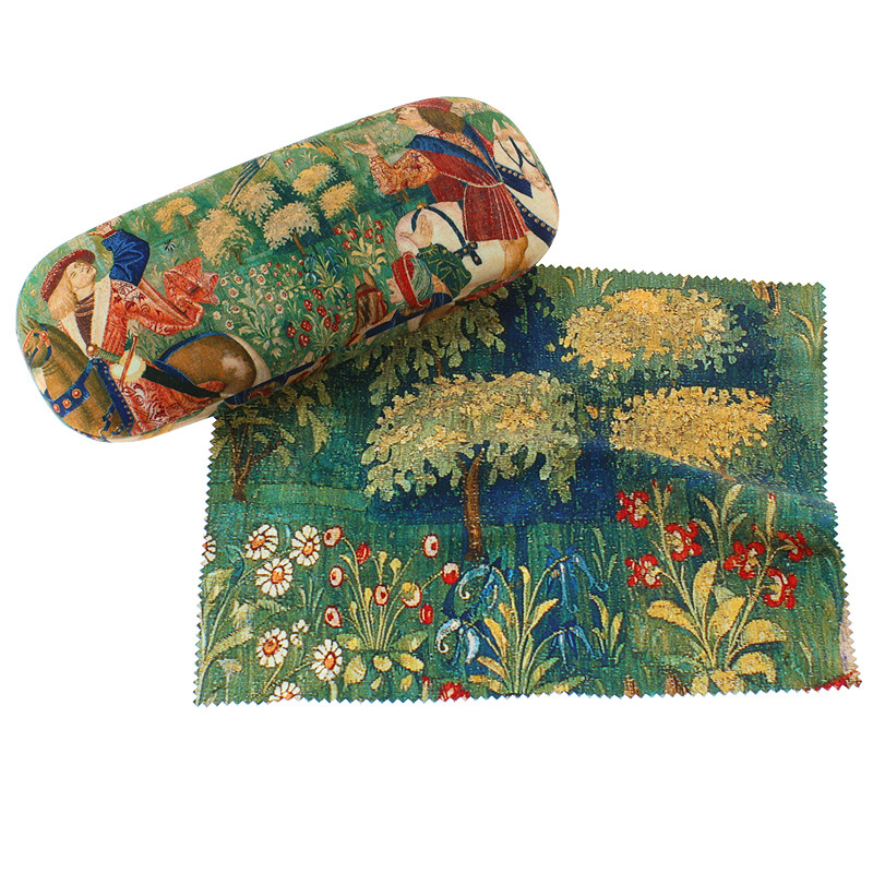 Glasses Case with cleaning cloth Falconry Scene