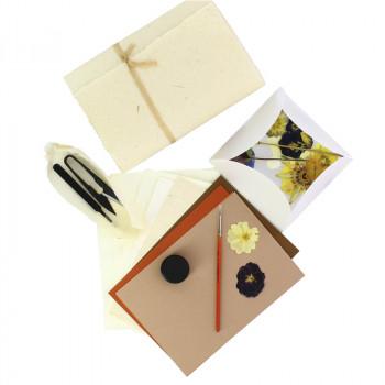 Taller Silvestre x O'Keeffe kit flower press & paper